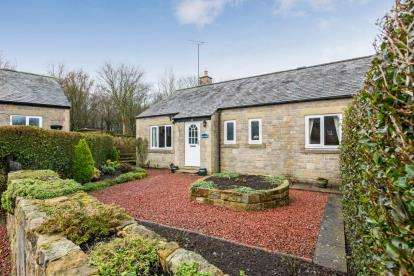 2 Bedrooms End Of Terrace House for sale in Kirkharle Cottages, Kirkharle, Northumberland, Tyne Wear, NE19