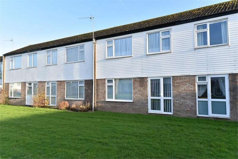 3 Bedrooms Terraced House for sale in Carver Road, Boston, Lincolnshire
