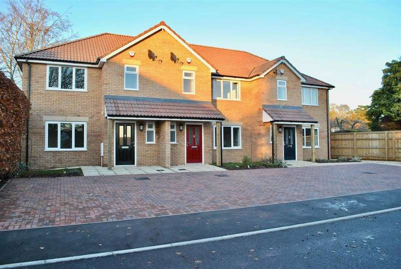 3 Bedrooms Terraced House for sale in Off Stanley Close