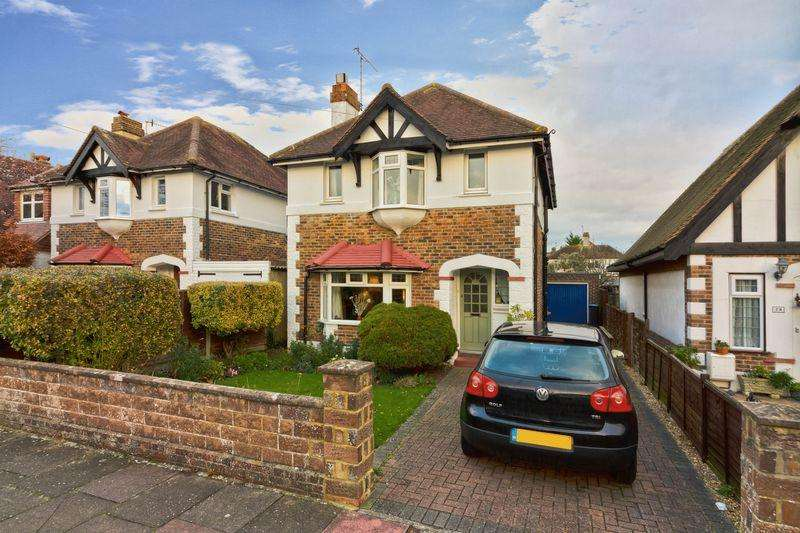 3 Bedrooms Detached House for sale in Downlands Avenue, Worthing