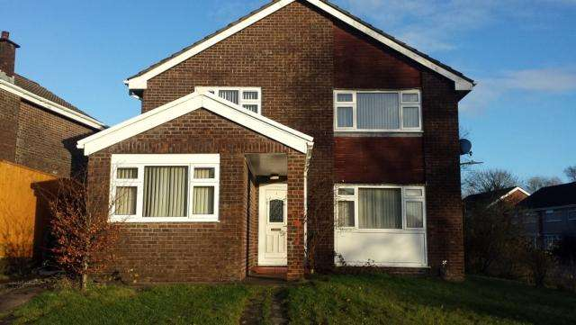 4 Bedrooms Detached House for rent in 2 Monmouth Place Ynysforgan Swansea