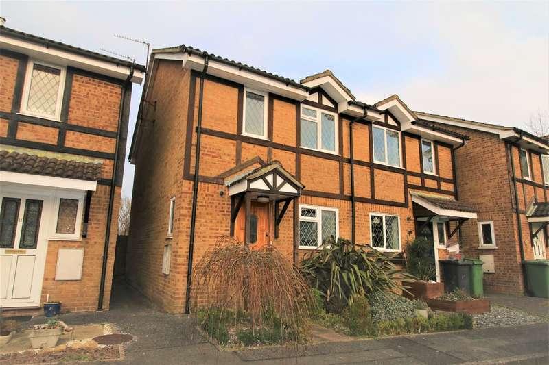 3 Bedrooms Semi Detached House for sale in Corinthian Close, Hatch Warren, Basingstoke, RG22