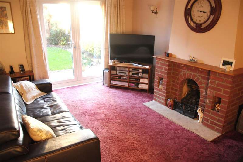 4 Bedrooms Detached House for sale in Gifford Road, Lower Stratton, Swindon