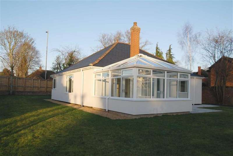3 Bedrooms Detached Bungalow for sale in Sleaford Road, Boston