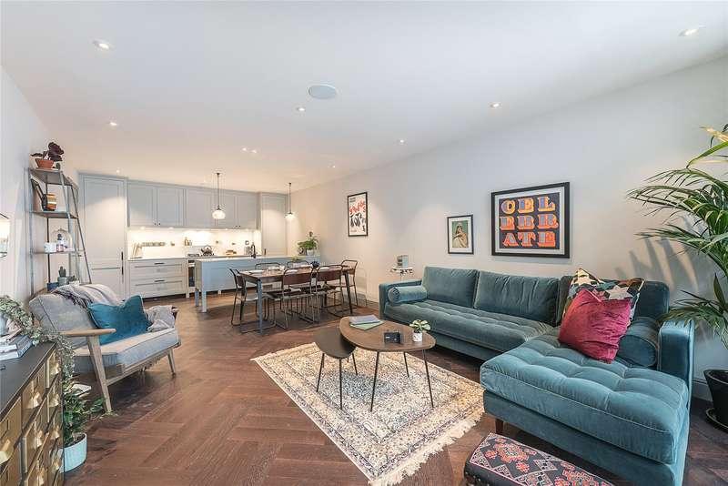 2 Bedrooms Flat for sale in Pratt Mews, Camden, Islington, London, NW1
