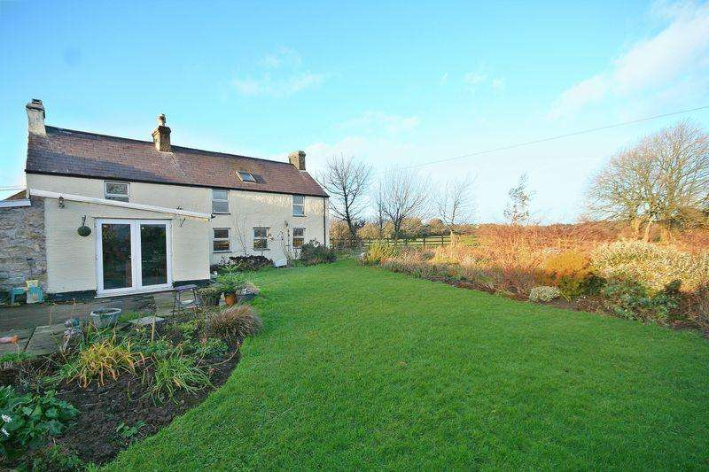 4 Bedrooms Detached House for sale in Llanbedrgoch, Anglesey