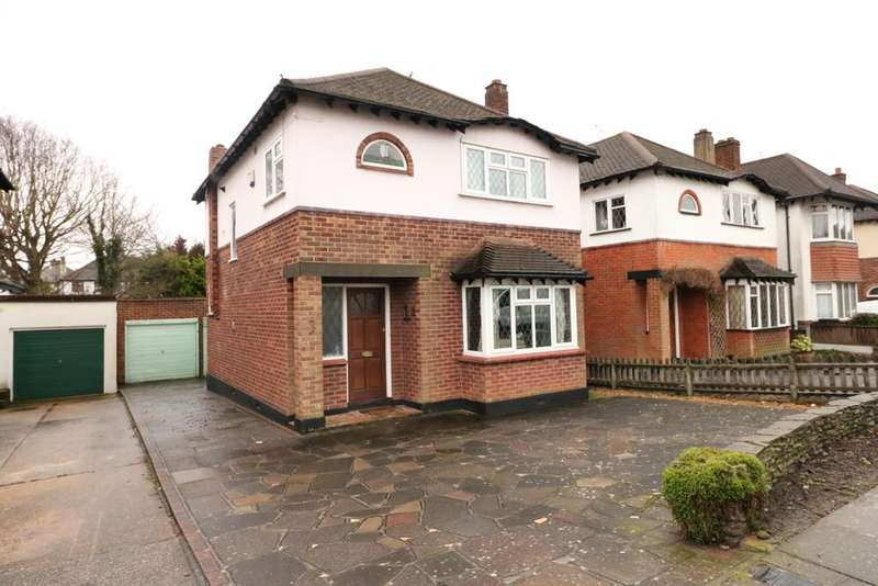 3 Bedrooms Detached House for sale in Ewan Way, Leigh-on-Sea