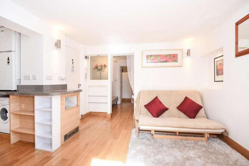 Studio Flat for sale in Castelnau, Barnes