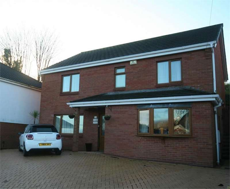 4 Bedrooms Detached House for sale in Bryngelli Park, Treboeth, Swansea