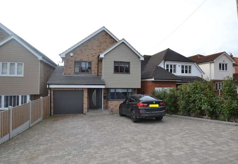 5 Bedrooms Detached House for sale in Crays Hill Road, Crays Hill, Billericay, Essex, CM11