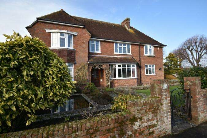 4 Bedrooms Detached House for sale in Glencoe Road , Littledown