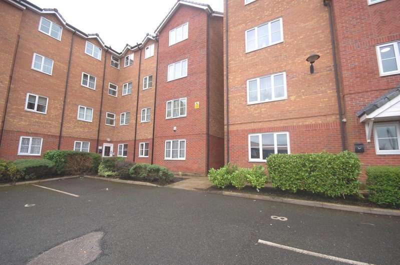 2 Bedrooms Ground Flat for sale in 106 Hall Lane, Baguley, Manchester M23
