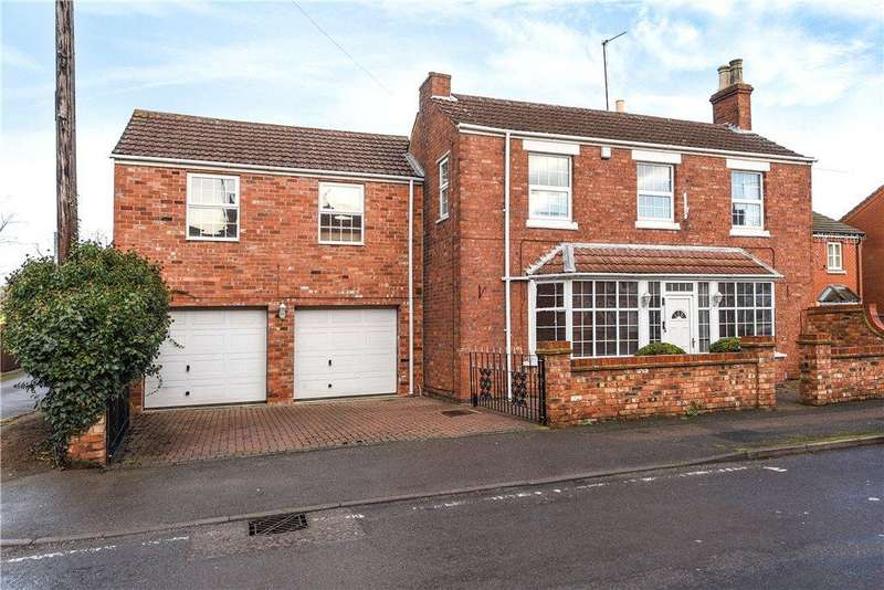 4 Bedrooms Detached House for sale in Station Road, Burton Latimer, Northamptonshire
