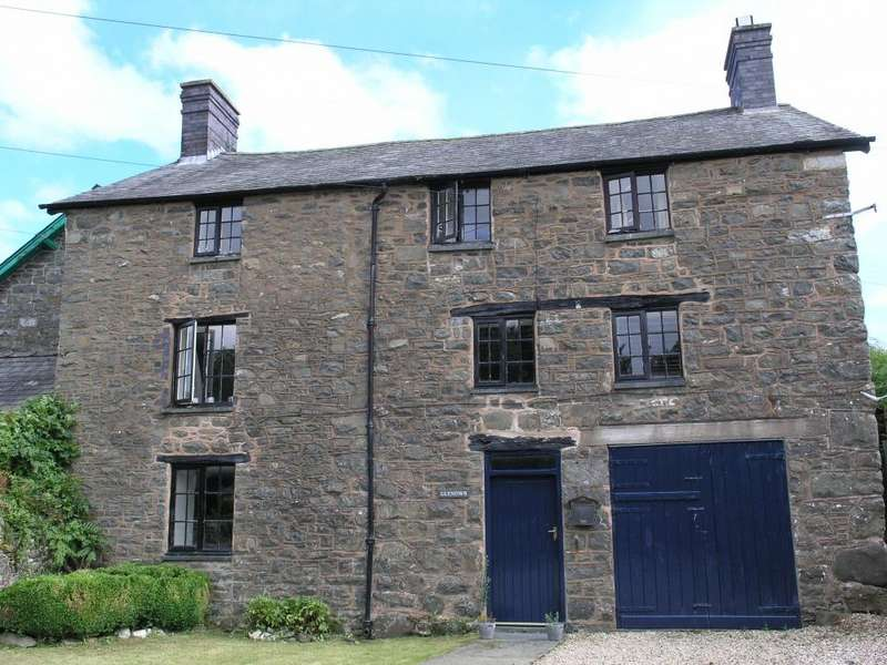 4 Bedrooms Country House Character Property for sale in Pandy Lane, Llanbrynmair, SY19