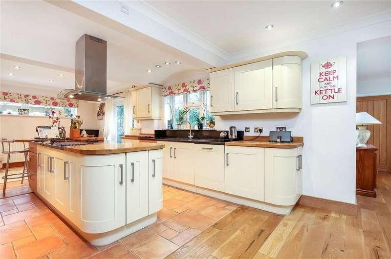 4 Bedrooms Detached House for sale in Baddesley Road, Chandler's Ford, Eastleigh, Hampshire, SO53