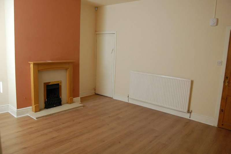3 Bedrooms End Of Terrace House for rent in Clayton Street, Great Harwood