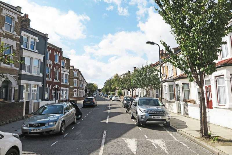 3 Bedrooms End Of Terrace House for sale in Millfields Road, Hackney