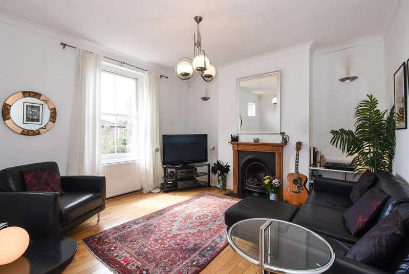 2 Bedrooms Apartment Flat for sale in Holloway Road, Upper Holloway N19 4DD