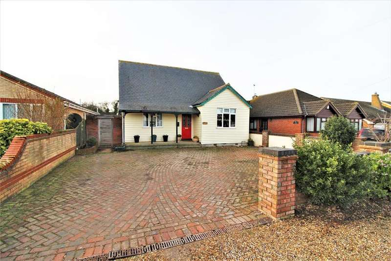 4 Bedrooms Chalet House for sale in Spencer Road, Thorpe-Le-Soken, Clacton-On-Sea