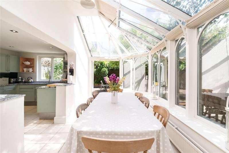 3 Bedrooms Semi Detached House for sale in Orbel Street, Battersea, London, SW11