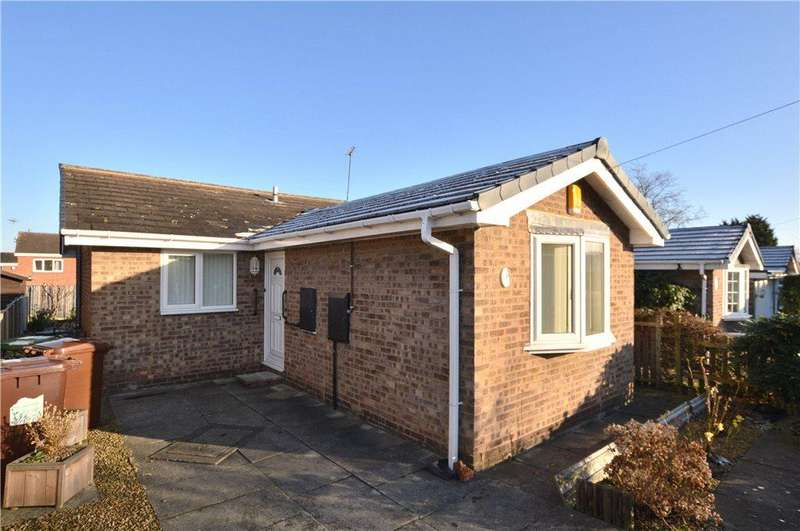 2 Bedrooms Detached Bungalow for sale in Speak Close, Wakefield, West Yorkshire