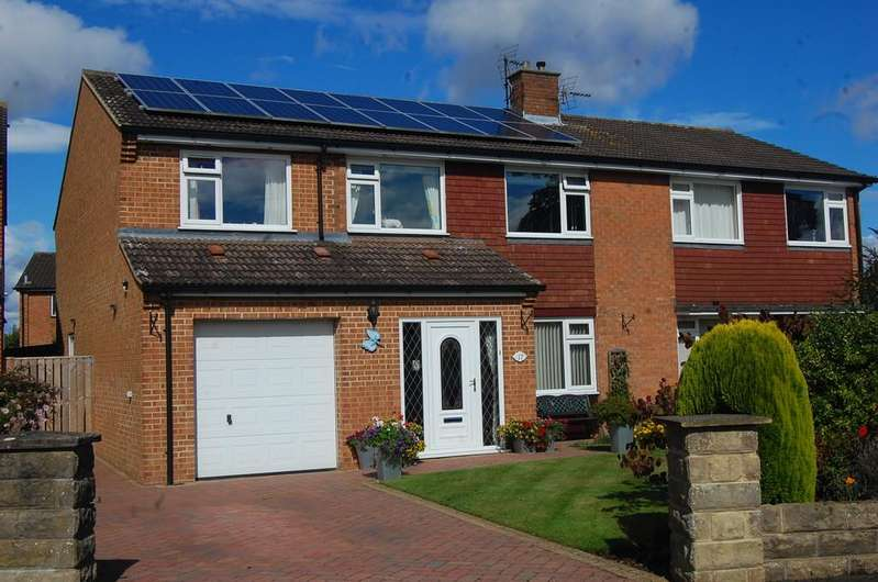 4 Bedrooms Semi Detached House for sale in Grassington Avenue, Northallerton