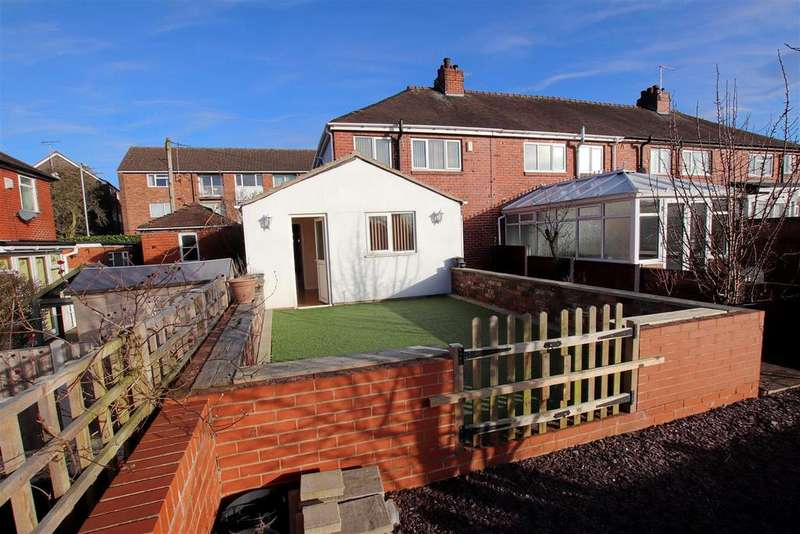 3 Bedrooms Town House for sale in Rathbone Avenue, May Bank, Newcastle