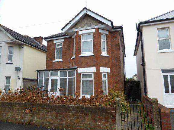3 Bedrooms Detached House for sale in Southbourne, Bournemouth