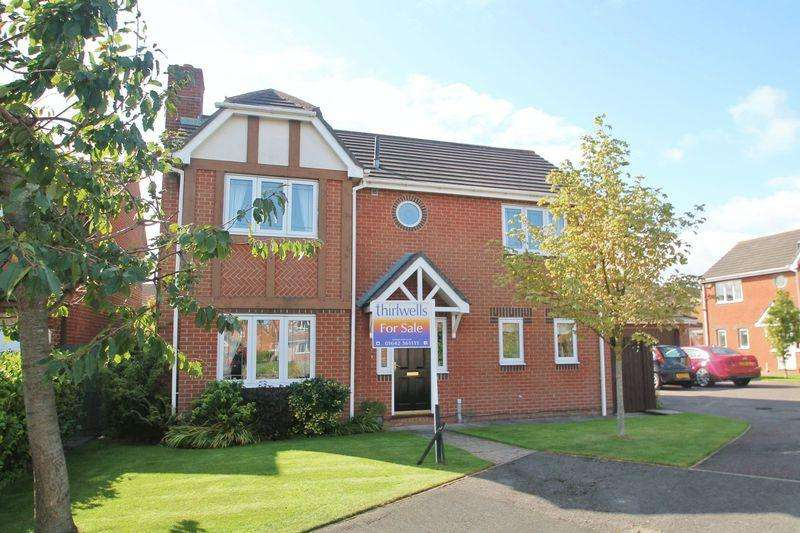 4 Bedrooms Detached House for sale in Steer Court, Billingham