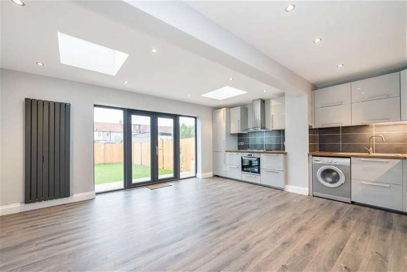 4 Bedrooms House for sale in Abbotts Road, Mitcham, Surrey