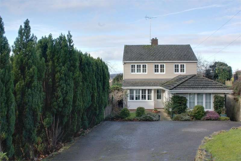 3 Bedrooms Detached House for sale in Hillary Road, Farnham, Surrey