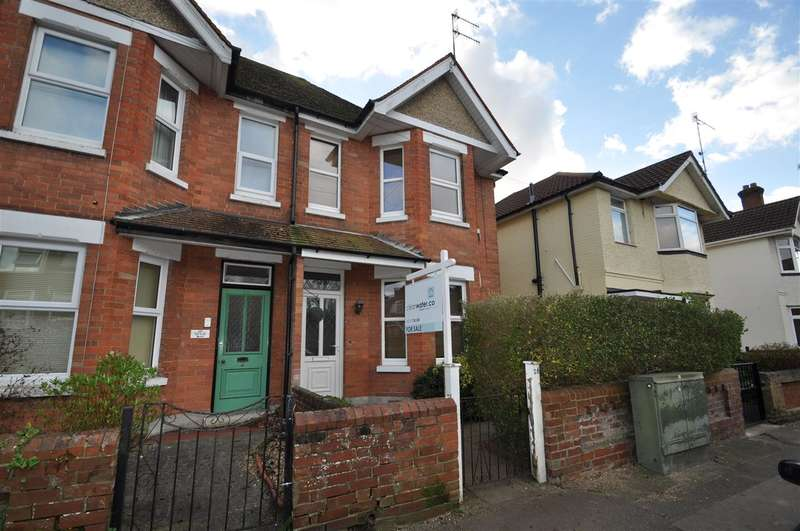 4 Bedrooms Semi Detached House for sale in Penn Hill