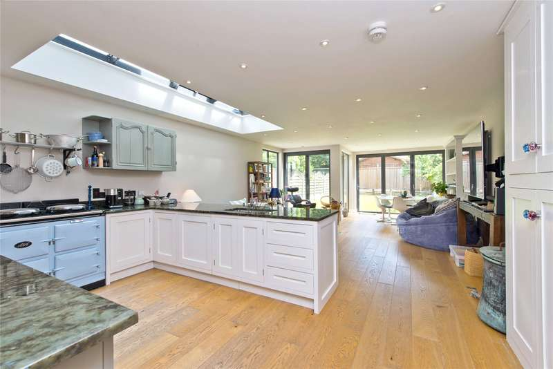 5 Bedrooms Semi Detached House for sale in Durham Road, Wimbledon, London, SW20