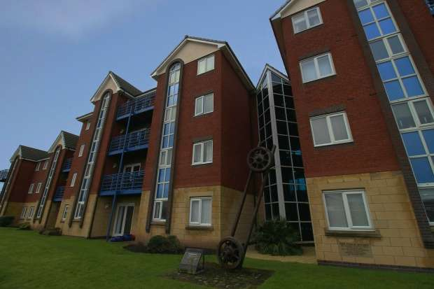 1 Bedroom Flat for sale in Ensign Court, Lytham Saint Annes, Lancashire, FY8 2TS