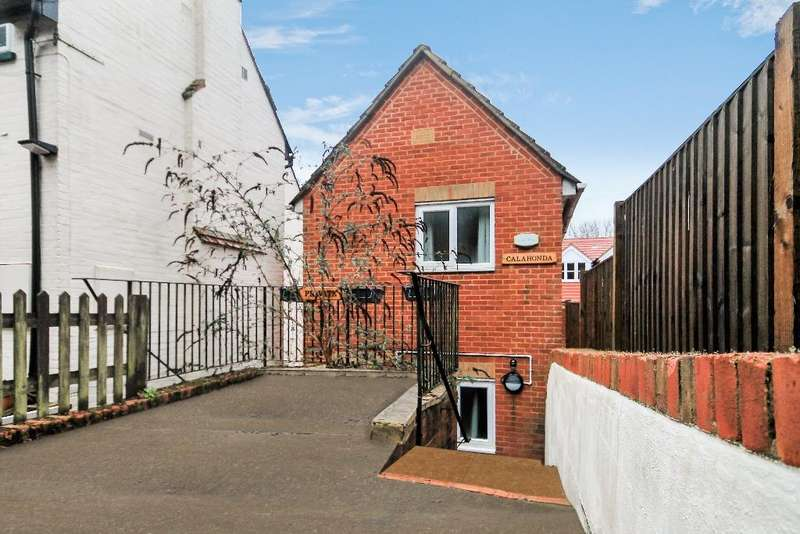 1 Bedroom Town House for sale in Longdene Road, Haslemere