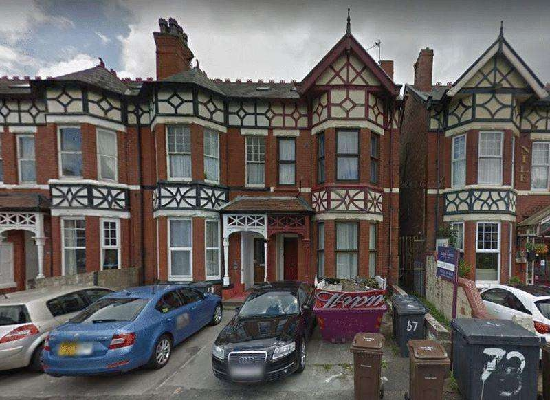2 Bedrooms Flat for sale in Flat 3, 67 King Street, Southport