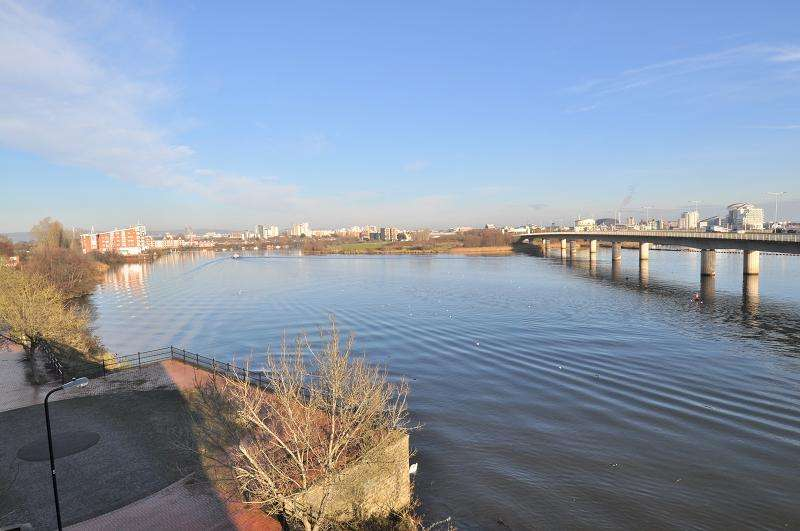 3 Bedrooms Maisonette Flat for sale in 146 Campbell Drive, Cardiff Bay CF11 7TQ