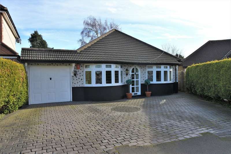 4 Bedrooms Detached Bungalow for sale in Lonsdale Road, Bexleyheath, Kent, DA7 4NG