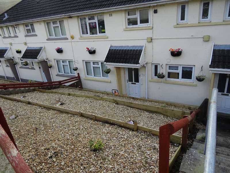 2 Bedrooms Ground Flat for sale in Glynllan, Blackmill, Bridgend, CF35 6EF