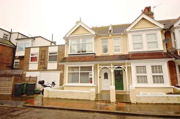 4 Bedrooms Terraced House for sale in Rylstone Road, Redoubt, Eastbourne, BN22