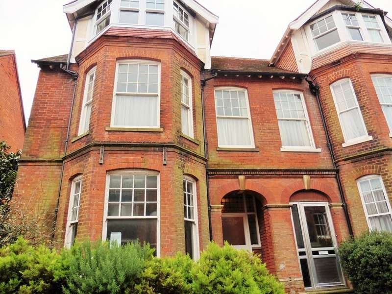 2 Bedrooms Apartment Flat for rent in Cromer