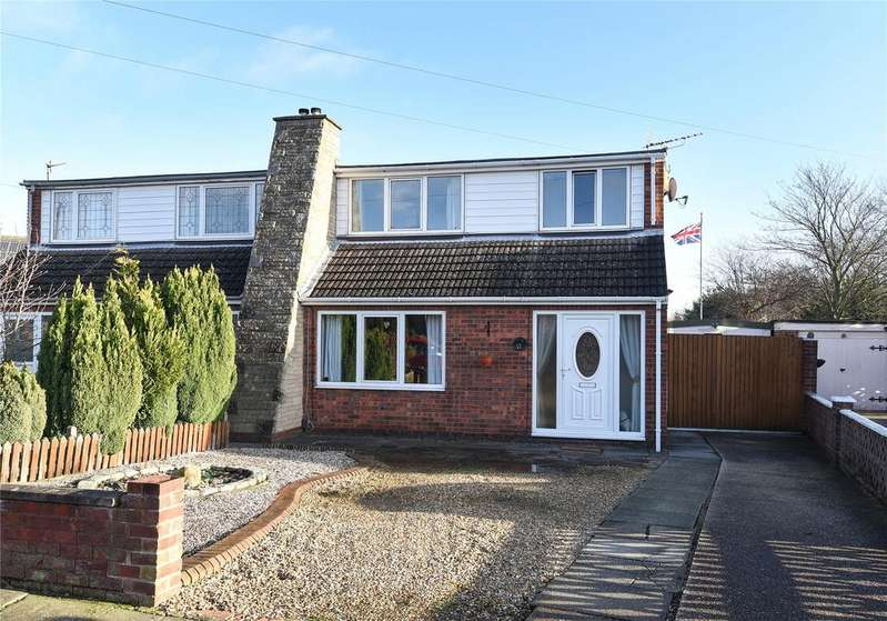 4 Bedrooms Semi Detached House for sale in Greyfriars, Wybers Wood, DN37