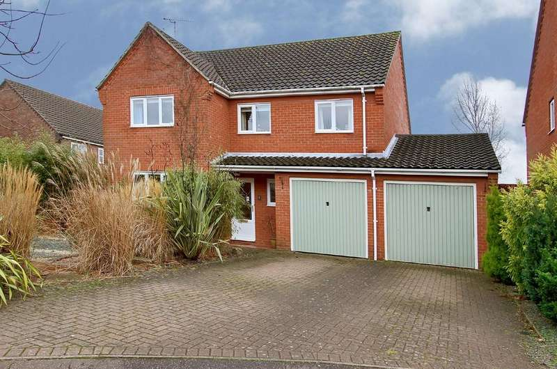 4 Bedrooms Detached House for sale in Brailsford Close, Dereham