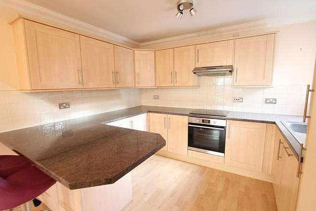 2 Bedrooms House for rent in Church Mews, HU13