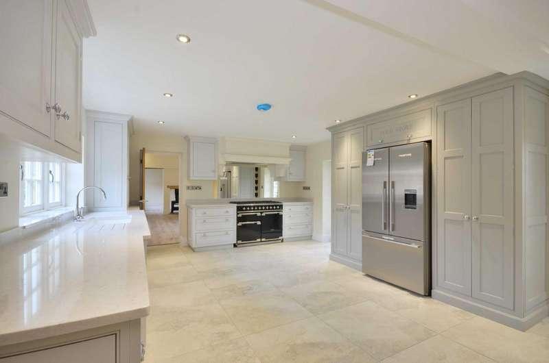 3 Bedrooms Link Detached House for sale in Green Street, Great Green Street, Chorleywood, Buckinghamshire, WD3