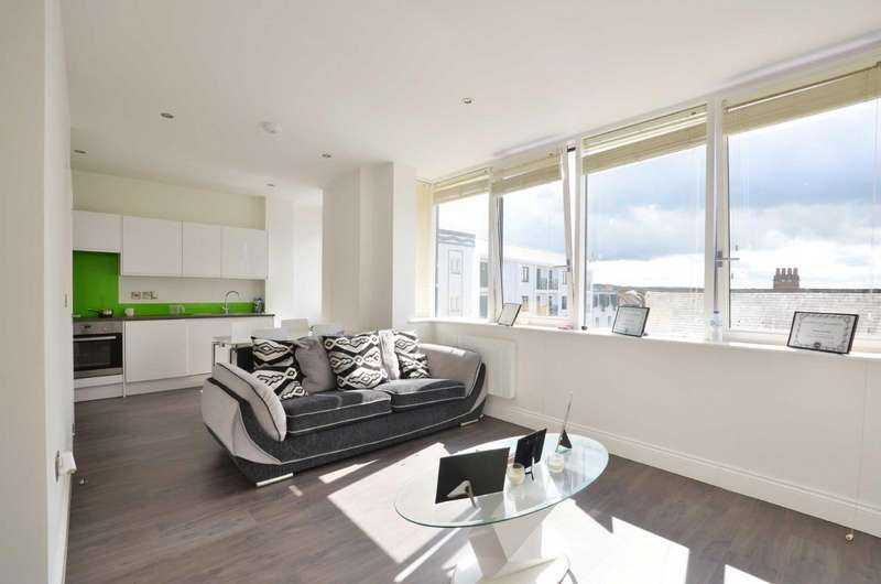 1 Bedroom Flat for sale in King Street, Watford, Hertfordshire, WD18