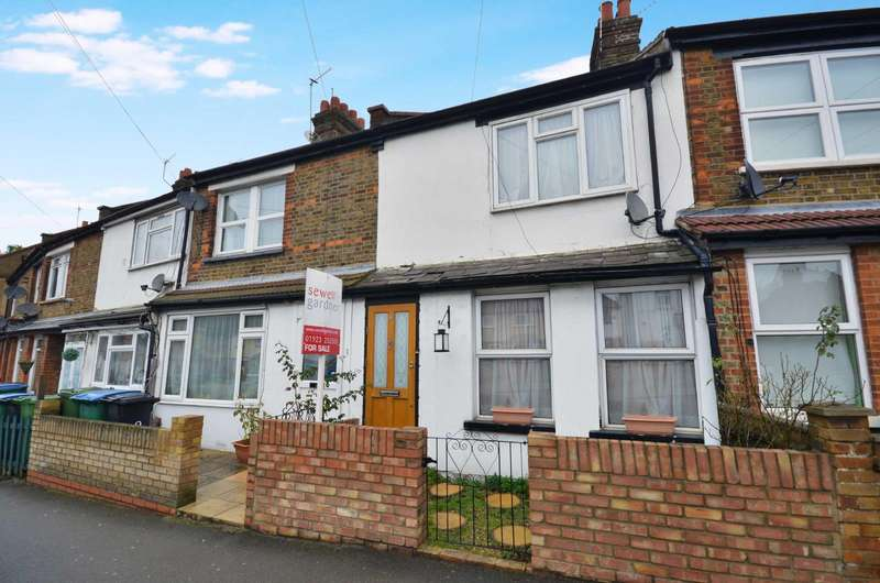 3 Bedrooms Terraced House for sale in Hagden Lane, Watford, Hertfordshire, WD18