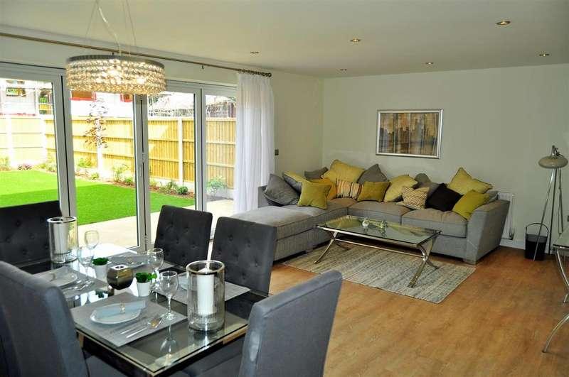 4 Bedrooms Detached House for sale in Sedgley Gardens, Oaksherd Mews, Tipton