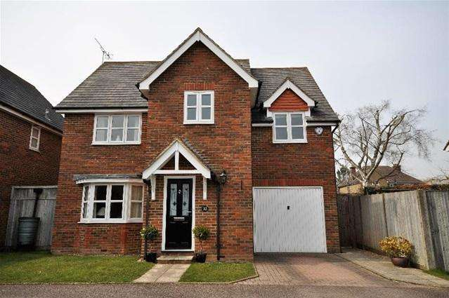 4 Bedrooms Detached House for sale in Apple Cottages, Bovingdon, Hemel Hempstead