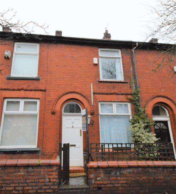 2 Bedrooms Terraced House for sale in Gordon Avenue, Oldham